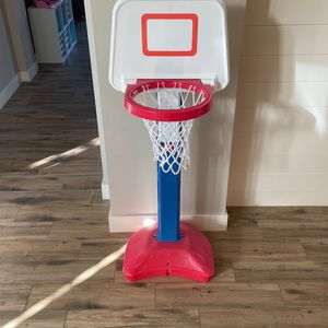 Adjustable Basketball Hoop for Sale in Chandler, AZ