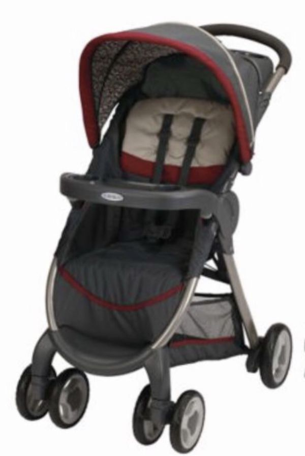 Graco stroller $15 In excellent clean working condition other than the scrapes on tray. Also has a matching infant car seat.