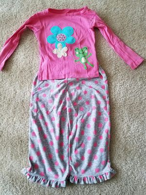 Girls clothes Carters velour pajama set size 2T almost new - $4 for Sale in Rockville, MD