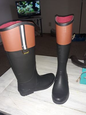 Tommy Hilfiger Rain Boots size 6 for Sale in Columbus, OH