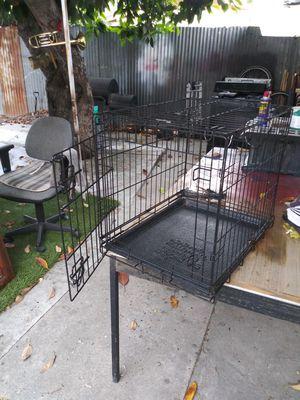 Jaula de metal para perros for Sale in Compton, CA