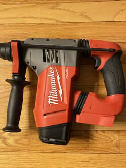 """Milwaukee M18 Fuel Brushless 1-1/8"""" SDS-Plus Rotary Hammer for Sale in Severna Park, MD"""