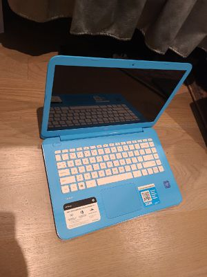 HP Stream Laptop in Blue for Sale in Moreno Valley, CA