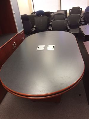 Beautiful conference desk and hutch for Sale in Chantilly, VA