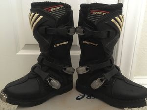 Shift combat dirt bike boots k13 for Sale in Lodi, CA