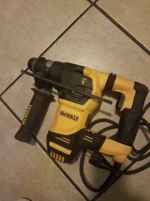 Dewalt Hammer dril rotary electrico for Sale in Manassas, VA