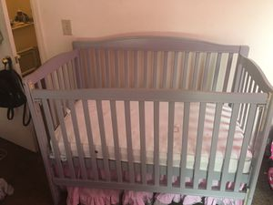 Baby crib & changing table for Sale in Denver, CO