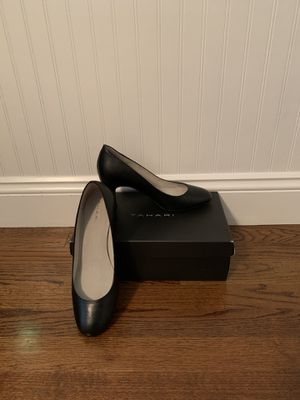 "Tahari ""Polly"" Size 8 black leather block heels for Sale in Marlboro Township, NJ"