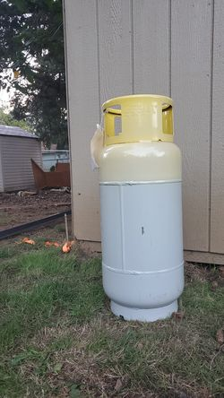 Sealed 410 freon recovery tank for Sale in Portland,  OR