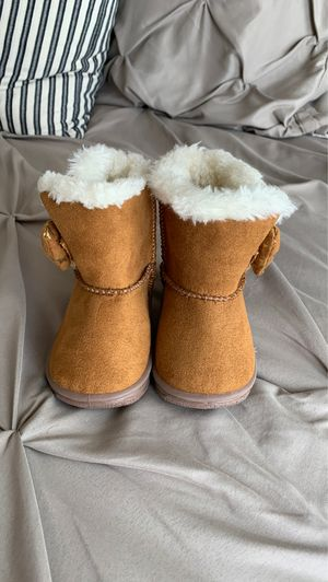 Girl boots for Sale in Palmview, TX