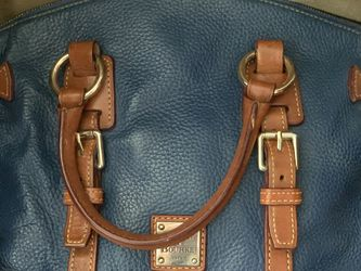 Dooney And Bourke Hand Bag for Sale in El Paso,  TX