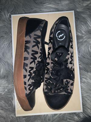 Michael Kors sneakers for Sale in Dearborn Heights, MI