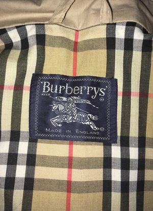 Large Burberry Windbreaker 100% authentic Worn Once for Sale in Mount Lebanon, PA