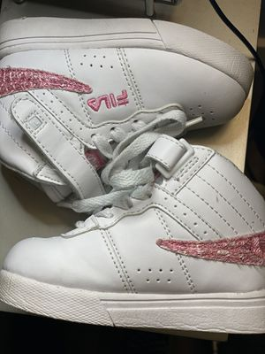 Sizes 6 toddler FILAS for Sale in Scottsdale, AZ