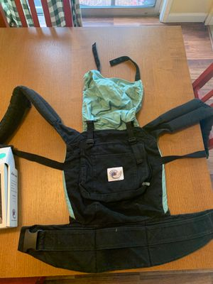 Ergo baby infant/toddler carrier with infant insert for Sale in Shoreline, WA