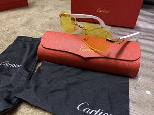 C white wood yellow sunglasses for Sale in Milpitas, CA