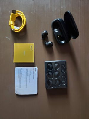 Zolo z2001 wireless earbuds for Sale in Twin Oaks, MO