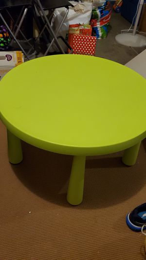 IKEA kids table and 4 chairs for Sale in Hemet, CA