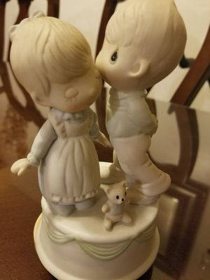 Musical precious moments kiss for Sale in Industry, CA