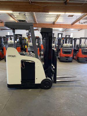 2009 Crown RC5535-30 Electric Forklift for Sale in La Verne, CA