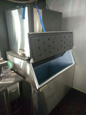 2 Fairly New and Used Ice Machines for Sale in Detroit, MI