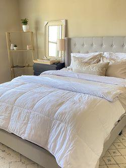 New Queen Upholstered Platform Bed for Sale in Smyrna,  GA