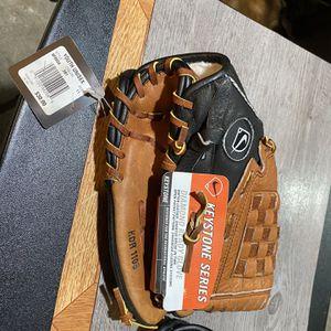Kids Baseball Gloves. Unisex for Sale in Fort Washington, MD
