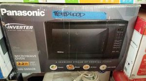 Panasonic 2.2 Cu Ft countertop microwave in Black for Sale in Phoenix, AZ