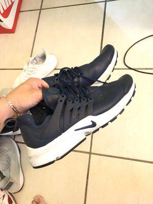 Nike presto size 10 in woman for Sale in Miami, FL