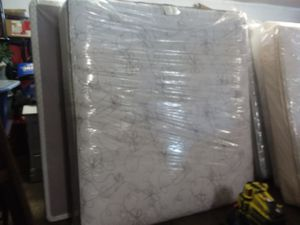 King mattress and box springs *new for Sale in Nashville, TN
