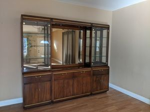 Thomasville China Cabinet, mid-1980s, excellent condition for Sale in Arcadia, CA