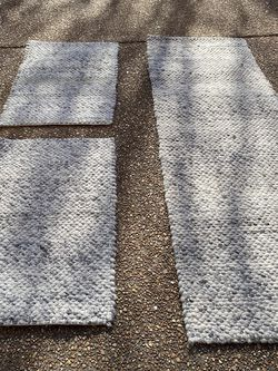 Target Rugs - Gray Knit for Sale in Franklin,  TN