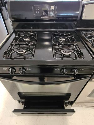 Frigidaire gas stove used in good condition with 90day's warranty for Sale in Mount Rainier, MD