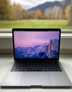 MacBook Pro 13 inch 2019 with Touchbar •LIKE NEW• for Sale in Snoqualmie Pass,  WA