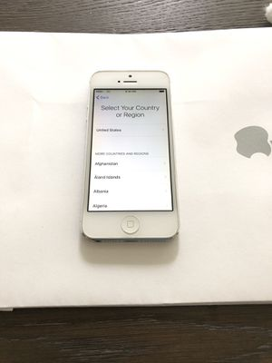 Iphone 5 16gb unlocked for Sale in Tacoma, WA