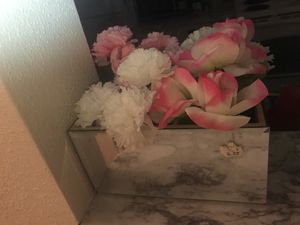Glam Mirror makeup brush holder/faux flower pot for Sale in Mesa, AZ