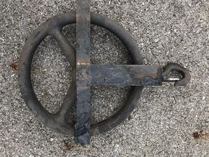 Well wheel pulley with hook for Sale in Sunbury, OH