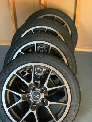 1800$ 18x8.5 light weight nuspeed rse10s in satin Bronze for Sale in Greenbelt, MD