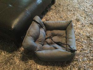 Pet car seat with seatbelt attachment for Sale in Murfreesboro, TN