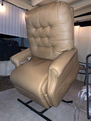 Pride lift chair / recliner for Sale in Phoenix, AZ