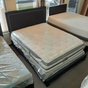 Pillow Top Queen Size Mattress & Bed Frame for Sale in St. Louis, MO
