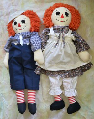 VINTAGE PAIR OF HANDMADE LARGE RAGGEDY ANN AND ANDY DOLLS for Sale in Chardon, OH