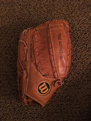 """Wilson A2002XL """"lefty"""" mitt for Sale in Palatine, IL"""