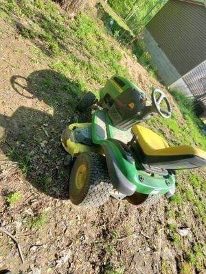 John Deere Lawn Tractor for Sale in Harrisburg, IL