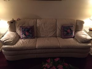 Leather couch for Sale in Albuquerque, NM