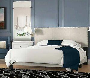 🔥Beautiful platform bed QUEEN, beige🔥 for Sale in El Paso, TX