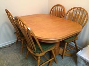 Dining table with 6 chairs for Sale in Fuquay-Varina, NC