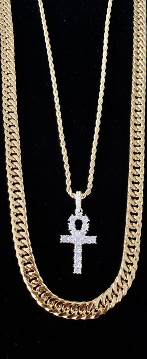ANKH FULL DIAMONDS CZ 18K GOLD CHAIN MADE IN ITALY for Sale in Miami Beach, FL