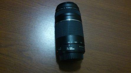 Canon EF 75-300 mm lens for Sale in Royal Oak,  MI