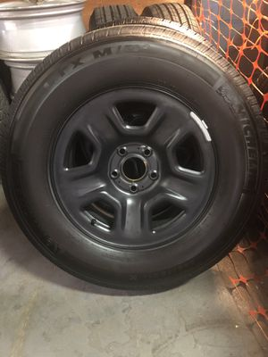 2019 jeep wrangler OE wheels and tires for Sale in Somerset, MA
